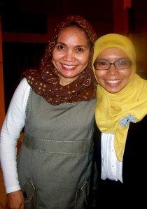 Bersama Ibu Dr. Wa Ode Hanafiah, M.Hum