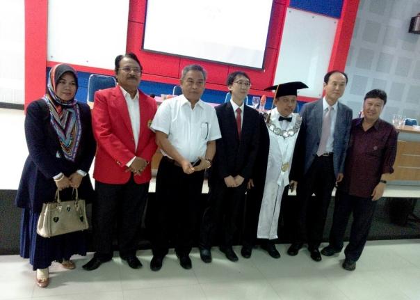Left2right: Dr. Kamsinah, Prof. Hamzah, Prof. Hakim, Dr. Lee Juyoung, Prof. Bur, Ayah Dr. Lee Juyoung, dan Dr. Yassir