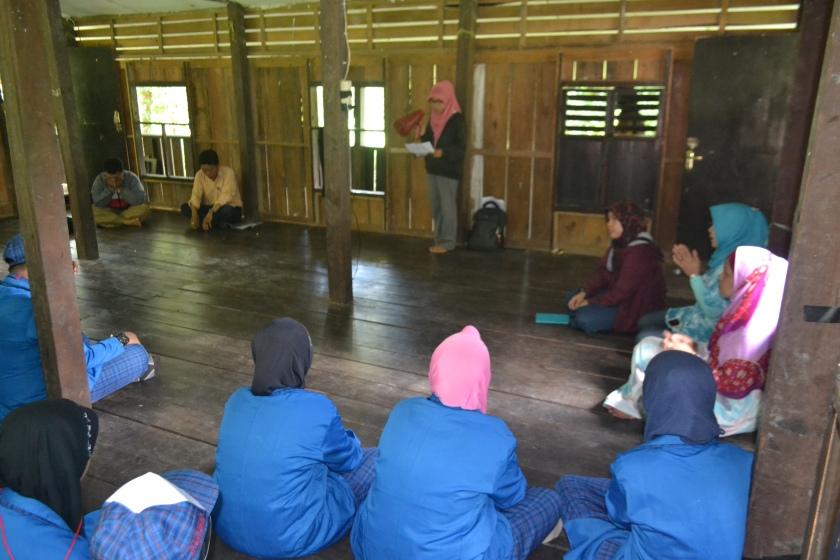Acara Pembukaan English Camp di Taman Leang-Leang