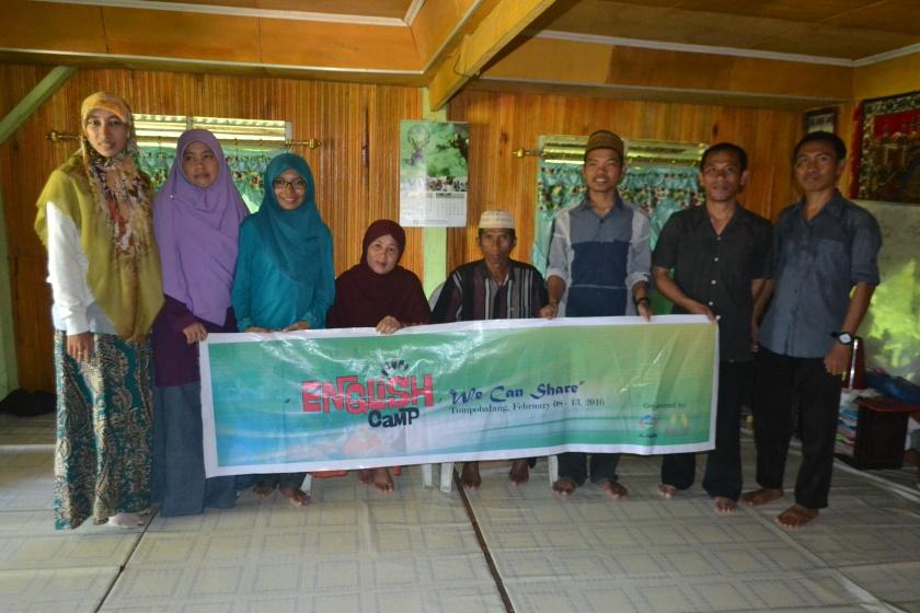 Left2right: Kk Arni, Ustadzah Kurnia, Ning, Ny.H. Lahab, H. Lahab, Kk Asdar, Kk Sahlim dan Ustadz Irham